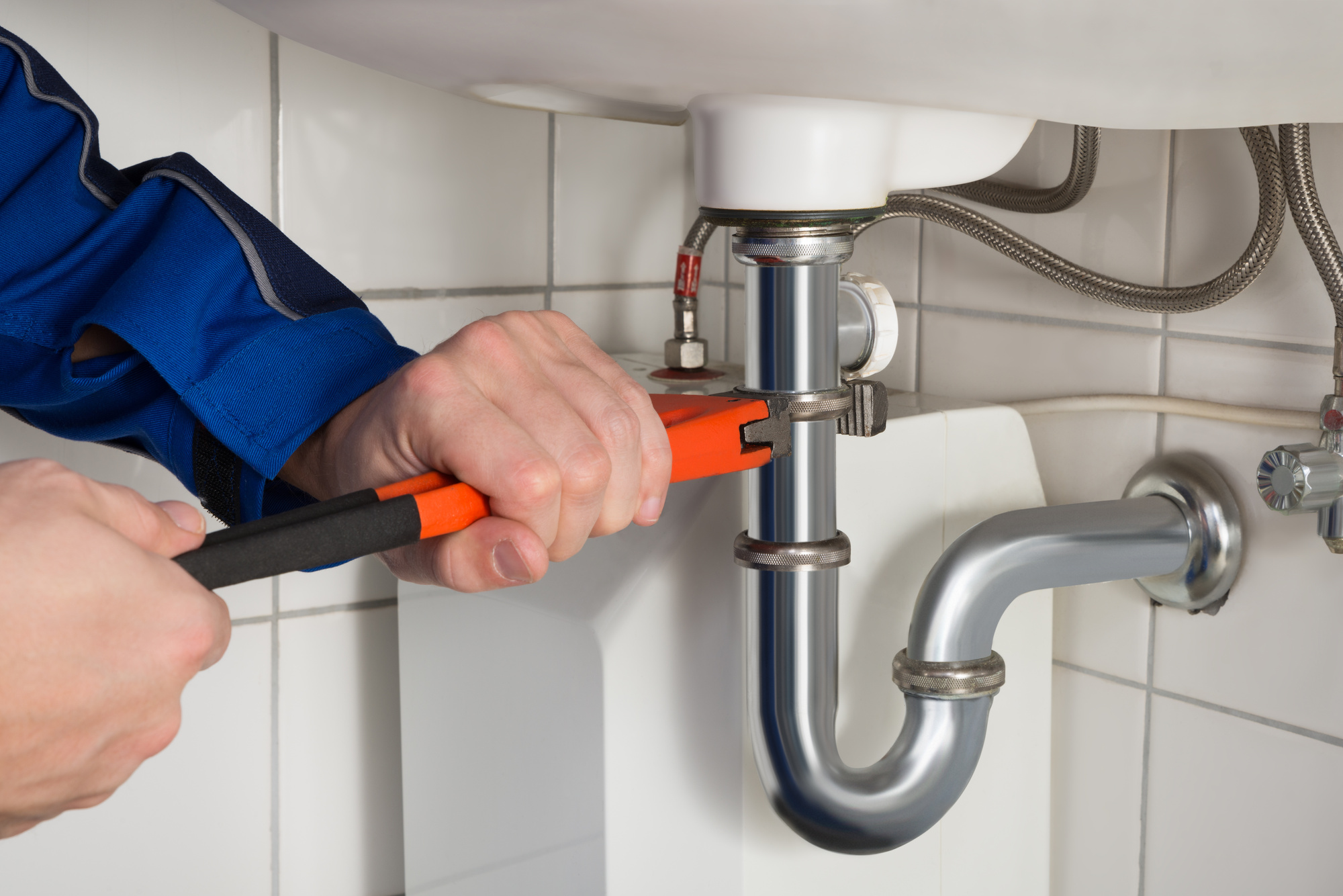 5 Plumbing Tips to Keep Your Summer Disaster-Free